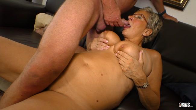 Granny_Anjelica_J_eats_cum_in_hot_mature_sex_session.mp4.00009,