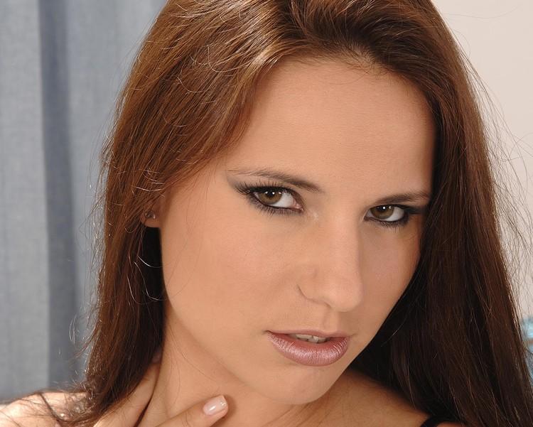 Claudia Rossi - 4 vergas para los agujeros de la eslovaca