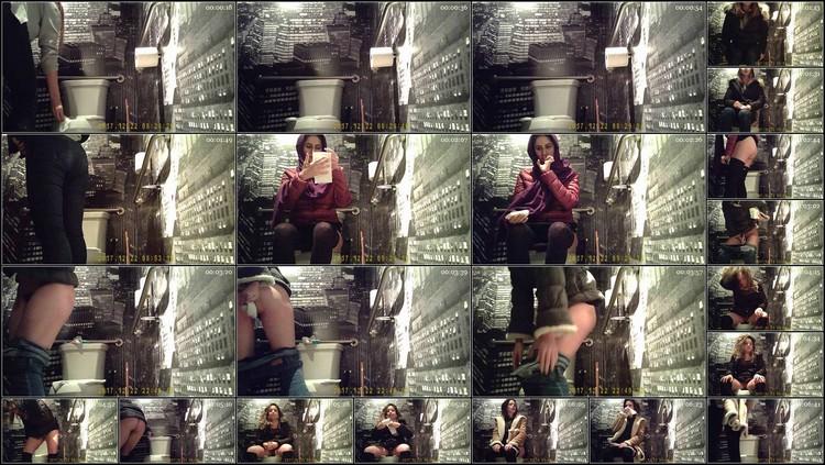 hz_Hidden cam in bathroom .mp4,