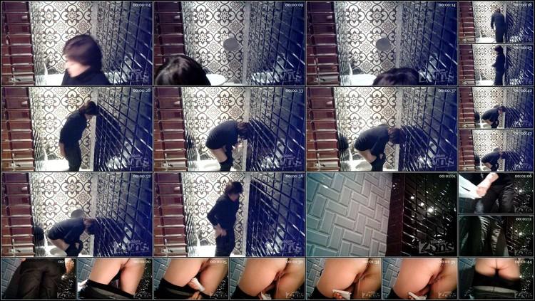 -A woman in black panties.avi,