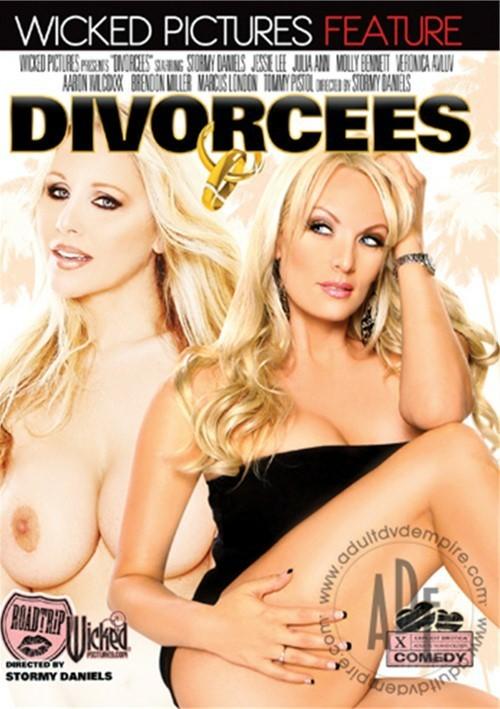http://ist4-1.filesor.com/pimpandhost.com/1/5/4/5/154597/5/q/S/t/5qStP/Divorcees.1.jpg