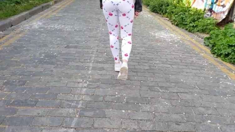 Adreena Winters Flashing In Londonfree_cover,