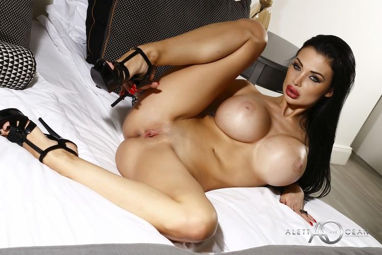 Riley Reid Pink.com
