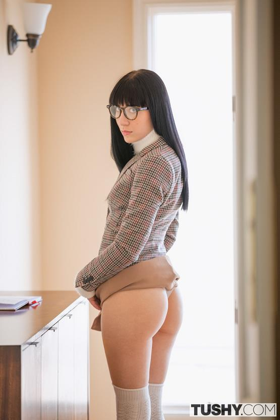 [Tushy] Charlotte Sartre (Lessons in Discipline / 01.04.2017) [Anal, Reverse cowgirl, Gape, Black hair, Doggystyle, Riding, Facial...