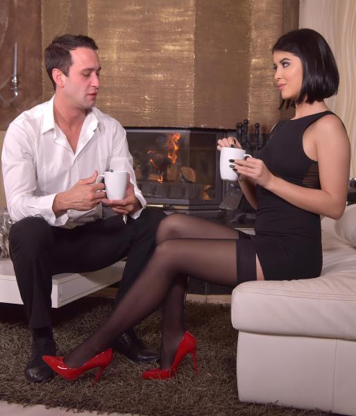 Lady Dee - Nylon, Heels And Tasty Toes [Standard Quality SD] HotLegsAndFeet/DDFNetwork - (279 Mb)