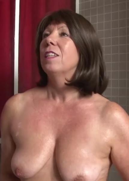 A 49ans, Brigitte decouvre la double
