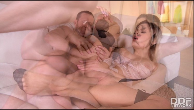 Hot Legs And Feet  - Vittoria Dolce - Leggy Anal Lover - 06.03.2018 Free Download From pornparadise.org