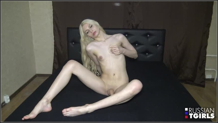 zkira and her yummy cock! (image 1),