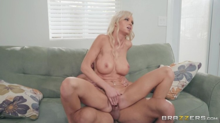 Real Wife Stories - Astrid Star - Caught On Cumming Camera - 15.03.2018 - 720p Free Download From pornparadise.org
