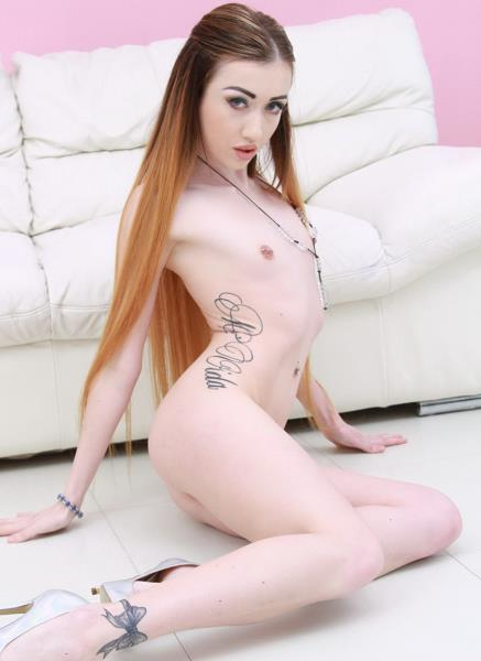 Jessi Empera - Petite Slut Jessi Empera 5 On 1 Mini Ganbang With Creampie Swallow SZ1872