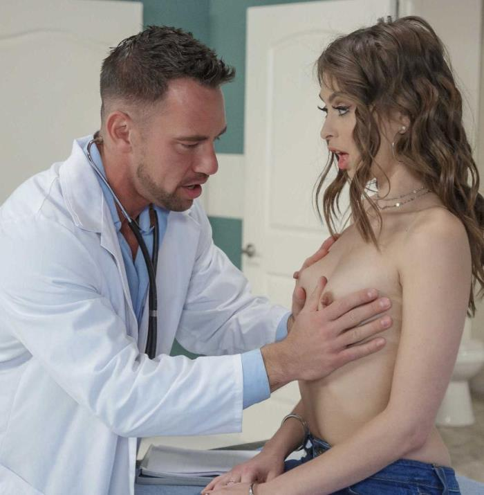 Brazzers/DoctorAdventures: - Riley Reid- Throat Treatment - [2018|HD|720p|710.99 Mb]