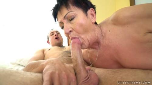 http://ist4-1.filesor.com/pimpandhost.com/1/_/_/_/1/5/j/d/l/5jdlV/Sexual%20Moms%20%20594m_m.jpg