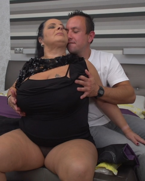 German chubby mature housewife Abby Tits fucking and sucking