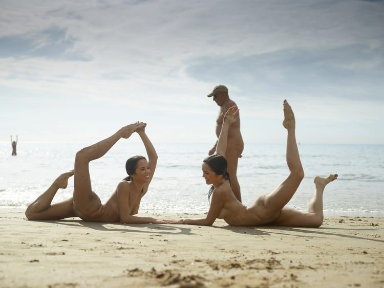 julietta-and-magdalena-flexi-beach-bodies-10-10000px (image 6),