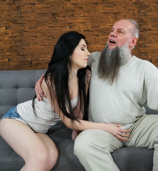 Mia Evans - Mr. Creamy (Old and Young) - GrandpasFuckTeens/21Sextury [HD 720p]