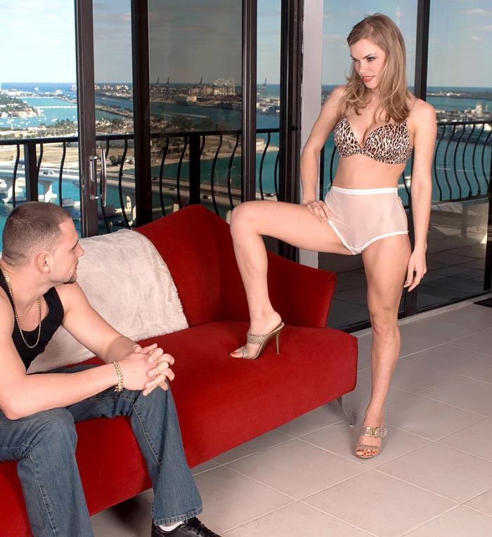 LegSex/PornMegaLoad: Ivana Bianchi - Ivana Fuck Alot [HD 720p] (Foot Fetish)