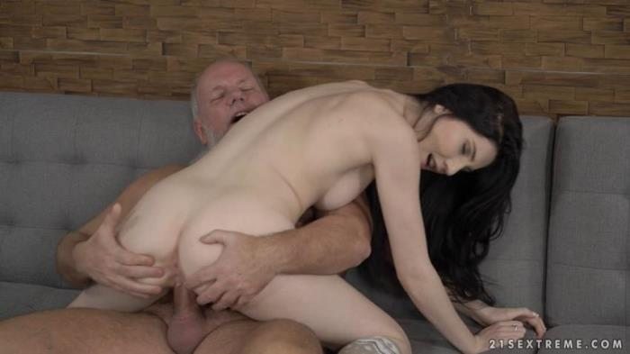 GrandpasFuckTeens / 21Sextreme / 21Sextury: Mia Evans - Mr Creamy [SD 544p] (Old and Young)