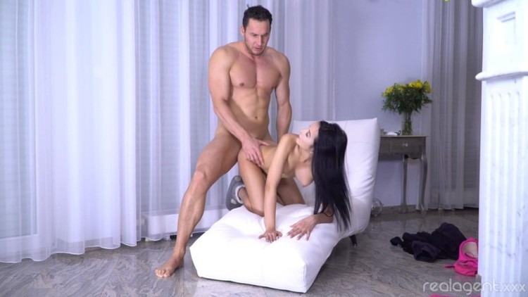 Real Agent - Francys Belle - Recruits New Porn Actor - 04.01.2018 - 1080p Free Download From pornparadise.org