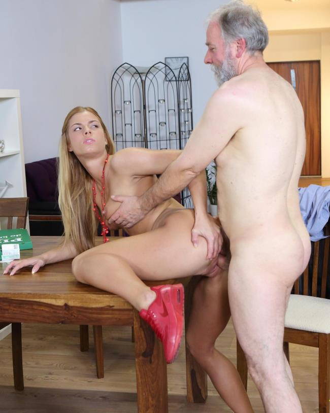 TeenMegaWorld/Old-n-Young - Chrissy Fox - Old man pays a hot delivery girl with sperm (720p / HD)