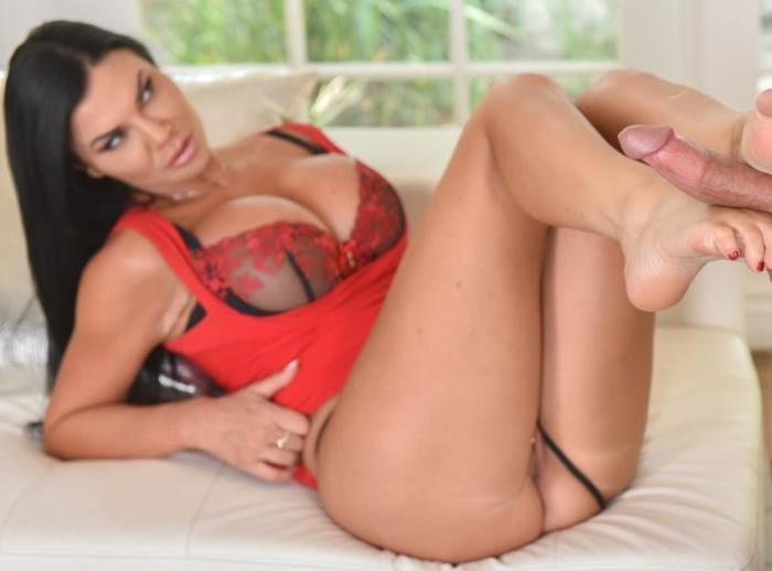 LoveHerFeet - Jasmine Jae - My friends wife (Foot Fetish) [HD / 720p / 1.54 Gb]
