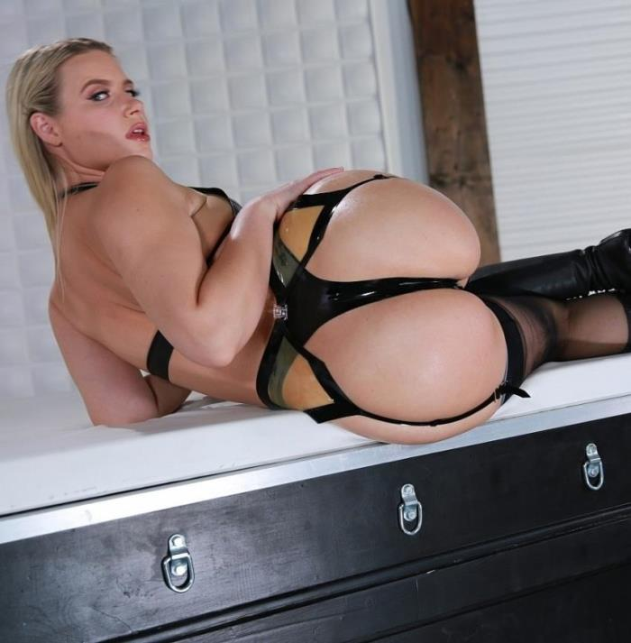 Anikka Albrite - - Worship The Booty Queen [FemdomEmpire] FullHD 1080p