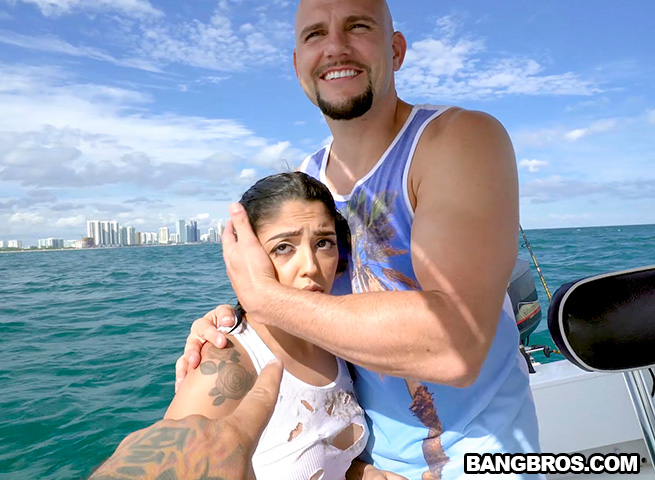 BangBrosClips / BangBros: Vanessa Sky (Latinas) Cuban Hottie Gets Rescued at Sea [SD 480p]