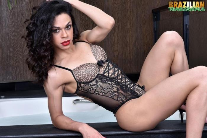 Brazilian-Transsexuals - Chrystal [Chrystal Is Back In New Solo] (HD 720p)