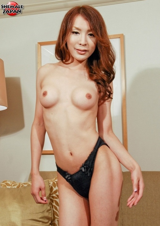 SheMaleJapan: Yuu Kakisaki - Yuu Kakisaki Shows It All Off [HD 720p] (432.44 Mb)