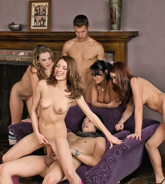TeenBitchClub/21Sextury: Charley Chase, Bailey Blue, Monique Alexander, Lexi Bloom - The Big Fuck Club [HD 720p] (1.34 Gb)