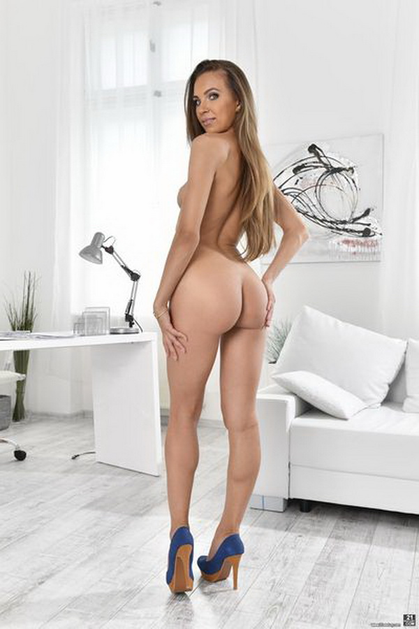 21Sextury: Veronica Clark (Anal) Anal Report [HD 720p]