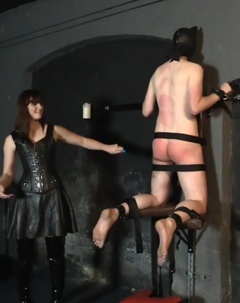 Slaves Of Vivienne l`Amour