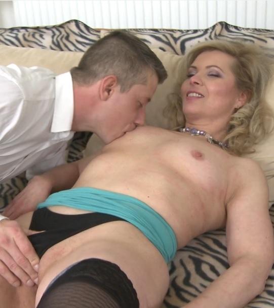 horny housewife Mirka doing her toyboy