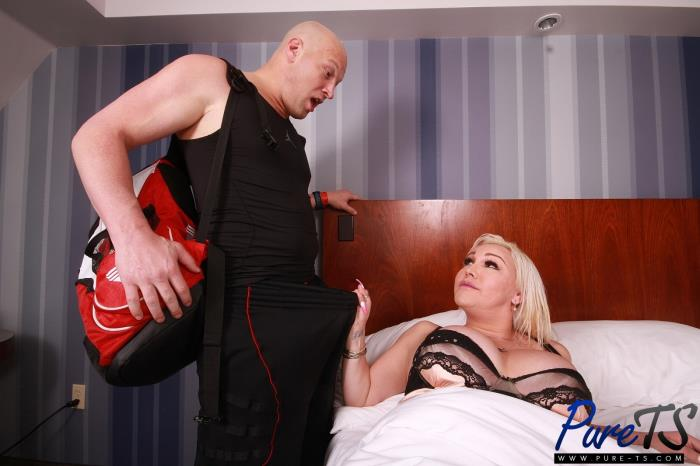 PureTs: Canddi Leggz - Canddi fucks her boyfriend before his workout [HD 720p] (1004.99 Mb)