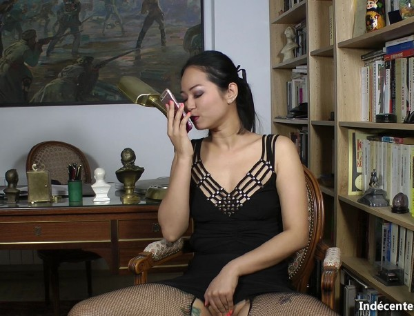 On offre a Jureka son premier black! (Jureka) Indecentes-Voisines [SD]