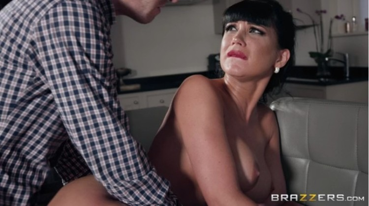 Big Wet Butts - Valentina Ricci - Clean Up On Aisle Valentina - 17.02.2018 Free Download From pornparadise.org
