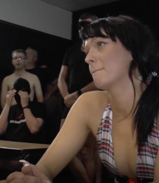 Shayla Sweet - Shayla Sweet Sperma Studio [HD] Sperma-Studio - (975 MB)