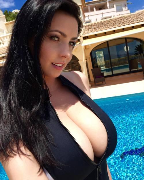 sexy busty hot boobs need creapie fucks