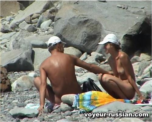 http://ist4-1.filesor.com/pimpandhost.com/9/6/8/3/96838/5/G/g/K/5GgKY/Voyeur-russian0183_cover_m.jpg