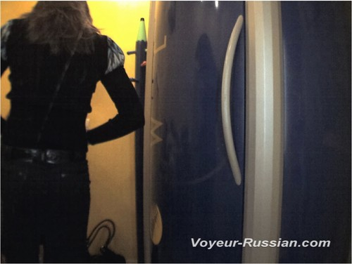 http://ist4-1.filesor.com/pimpandhost.com/9/6/8/3/96838/5/G/i/y/5Giy1/Voyeur-russian0233_cover_m.jpg