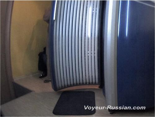 http://ist4-1.filesor.com/pimpandhost.com/9/6/8/3/96838/5/G/o/D/5GoDK/Voyeur-russian0487_cover_m.jpg