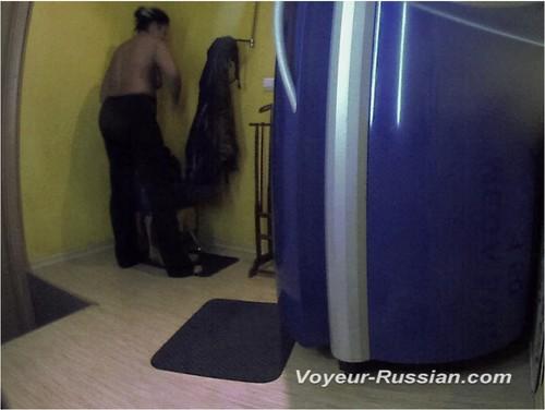 http://ist4-1.filesor.com/pimpandhost.com/9/6/8/3/96838/5/G/o/H/5GoHO/Voyeur-russian0488_cover_m.jpg