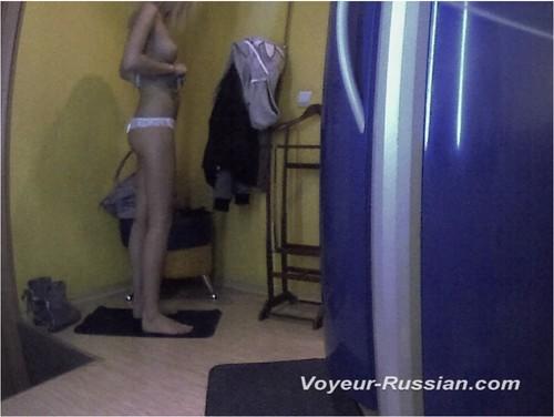 http://ist4-1.filesor.com/pimpandhost.com/9/6/8/3/96838/5/G/p/Z/5GpZa/Voyeur-russian0506_cover_m.jpg