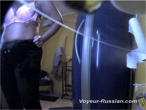 http://ist4-1.filesor.com/pimpandhost.com/9/6/8/3/96838/5/G/q/E/5GqEg/Voyeur-russian0515_cover_m.jpg