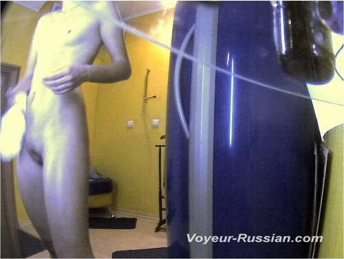 http://ist4-1.filesor.com/pimpandhost.com/9/6/8/3/96838/5/G/q/Q/5GqQw/Voyeur-russian0518_cover_m.jpg