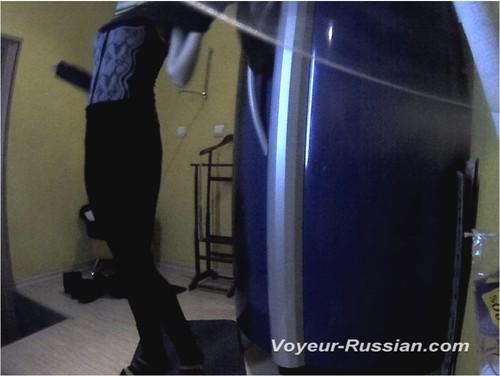 http://ist4-1.filesor.com/pimpandhost.com/9/6/8/3/96838/5/G/s/S/5GsSr/Voyeur-russian0543_cover_m.jpg