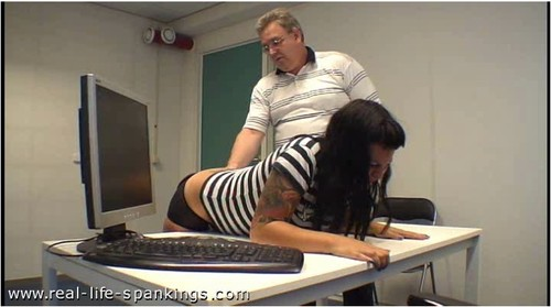 Real-Life-Spankings027