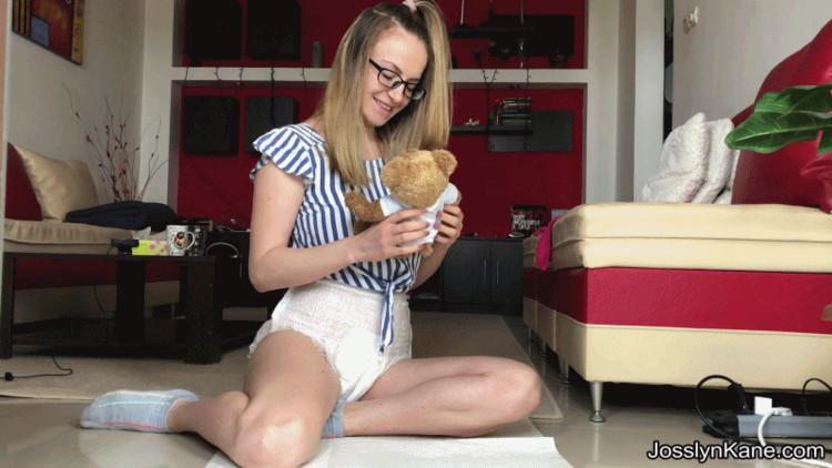 JosslynKane - BabyGirl is pooping her diaper